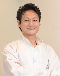 理事長兼院長・阿部ヒロ